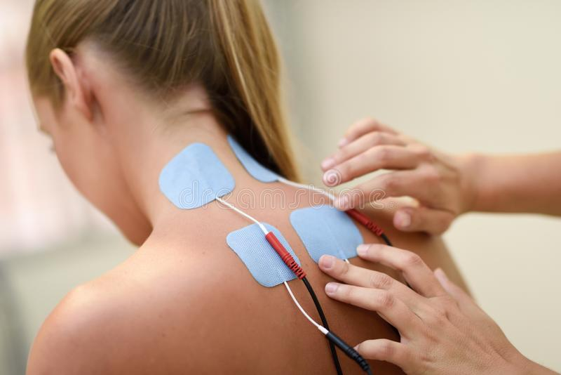 Pros and cons of electrical muscle stimulation